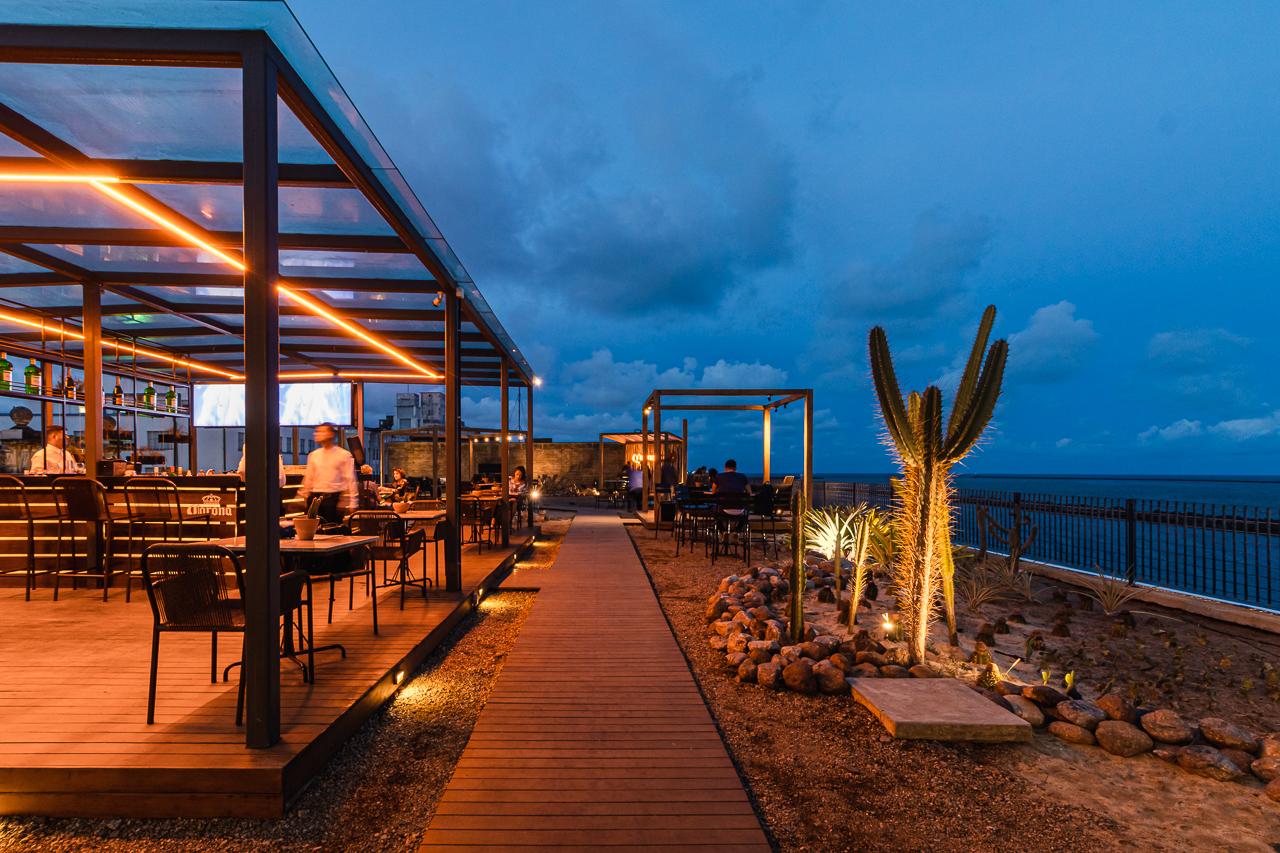 Cais Rooftop Lounge Zirpoli Arquitetura